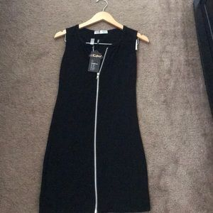 Dresses & Skirts - Zip up black dress